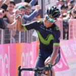 image Nairo Quintana gagne au Blockhaus et prend le maillot rose