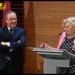 image Vidéo | Le maire de Madrid offre des médailles au chocolat à Real Madrid les joueurs